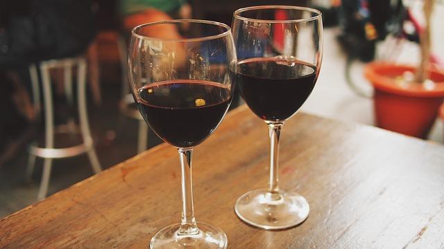 wine-890371_640