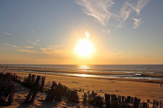 sunset-1599894_640